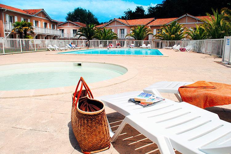 residence-avec-piscine
